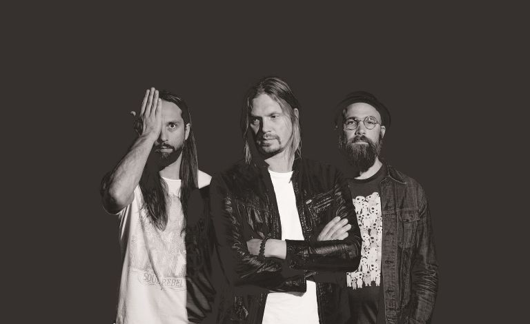 Von Hertzen Brothers, At the Hollow Liput