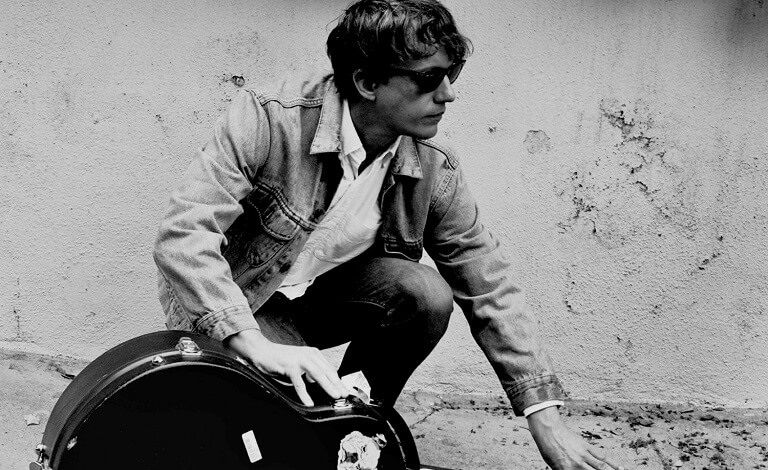 Steve Gunn solo (USA) + support Liput